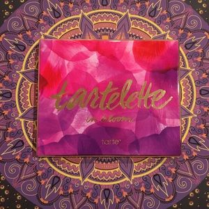 Tarte 'Tartelette in bloom' Amazonian clay palette